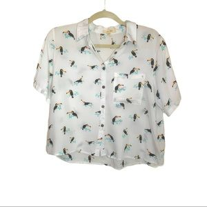 Love Notes button down crop top white w/ toucan Lg